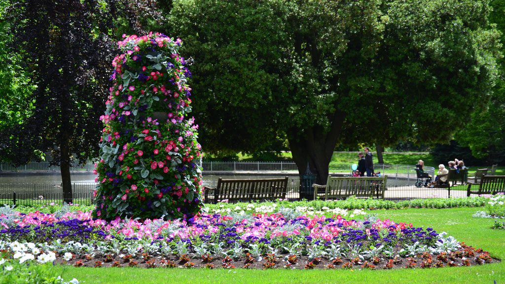 Park in Leamington Spa. museum